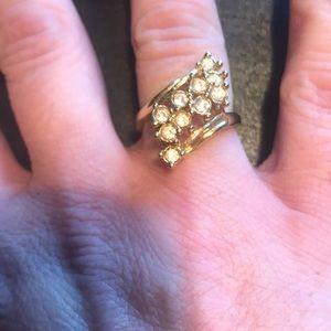 Jewelry - ⭐️bundle only⭐️ goldtone fashion ring size 7